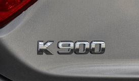2015 Kia K900 badge