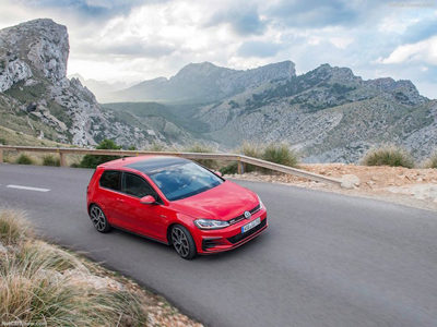 2017 Volkswagen Golf GTI — Close to perfection